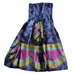 Barnklänning med batik mönster