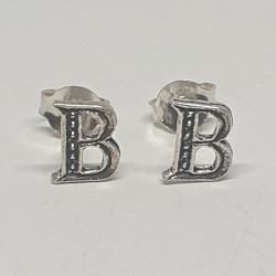 Bokstav B örhängen i silver