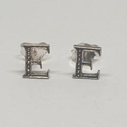 Bokstav E örhängen i silver