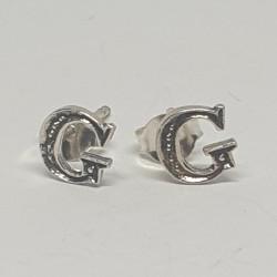 Bokstav G örhängen i silver