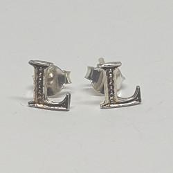 Bokstav L örhängen i silver