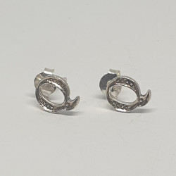 Bokstav Q örhängen i silver
