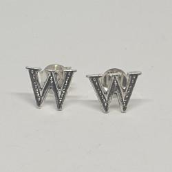 Bokstaven W örhängen i silver