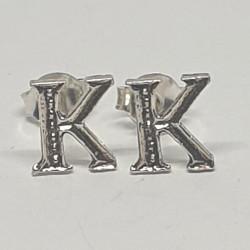 Bokstav K örhängen i silver