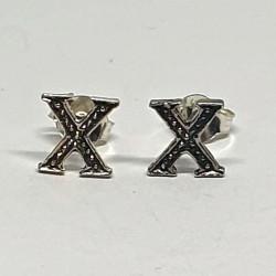 Bokstäver X  örhängen i silver