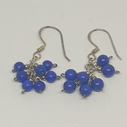 Silverörhängen med blå pärlor