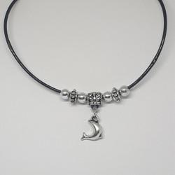 Halsband med hänge, delfin...